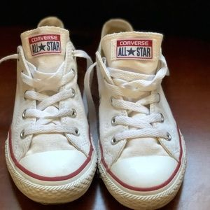 White low top Converse Chuck Taylor
